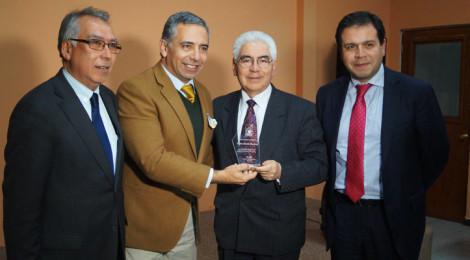 Director del Departamento de Comunicación Social recibe reconocimiento del Centro Cultural Pencopolitano
