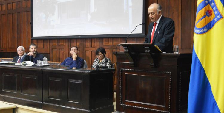 Clase inaugural de Periodismo UdeC analiza la investigación del poder