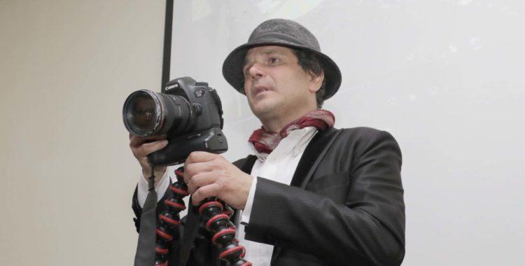 """Realizador de """"Reporteros en tiempos de crisis"""" compartió con estudiantes de Periodismo"""
