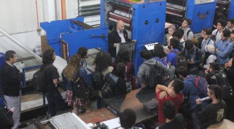 """Atractivo viaje de estudio a Chillán realizaron """"mechones"""" de Periodismo"""