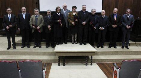 Profesora Elizabeth Parra fue homenajeada por la Academia Chilena de Ciencias Sociales, Políticas y Morales
