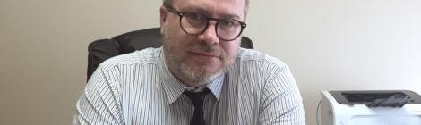 Profesor Carlos Basso gana fondo para escribir libro de crónica
